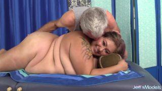 Veruca Darling – Chubby Massage